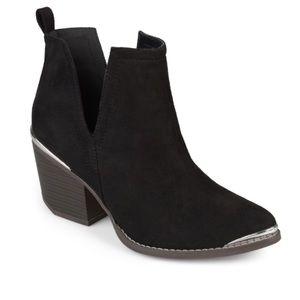 Journee Collection Issla Black Booties